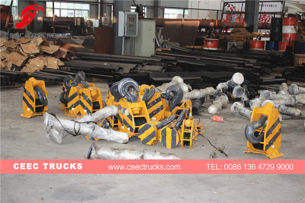 CEEC boom crane factory stock for quick delivery